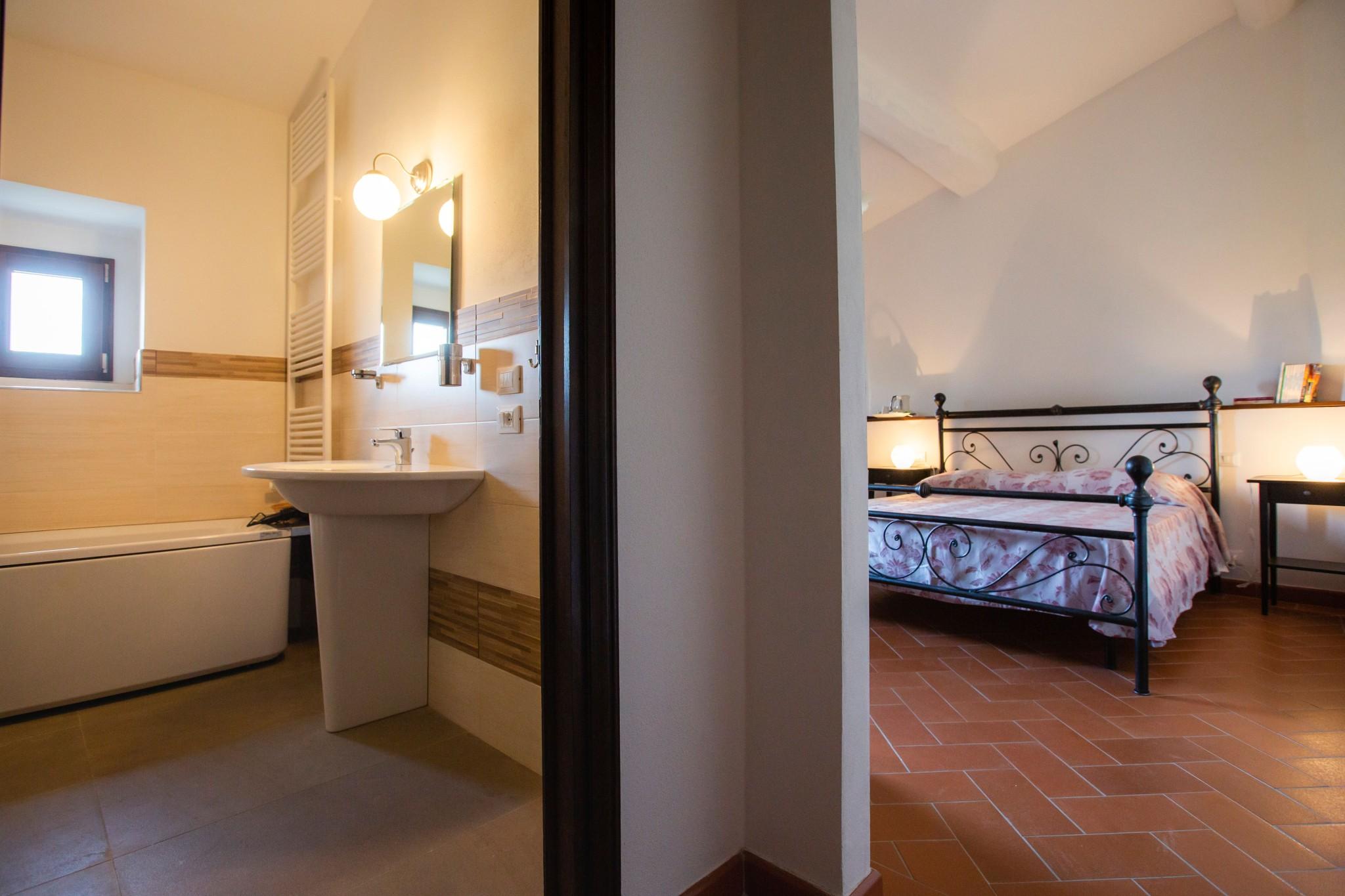 Villa Torre a Soli, camera con bagno privato III (1° piano)