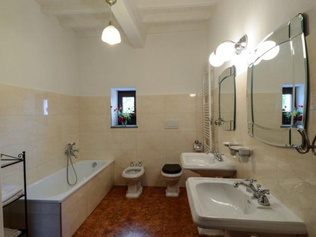 Torre Nord, camera con bagno privato (1° piano)