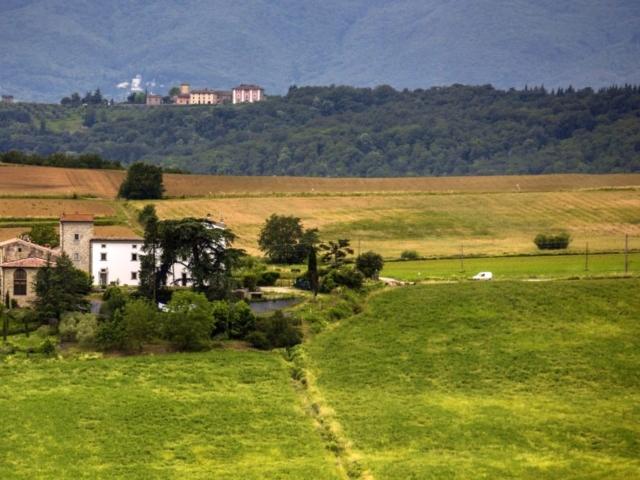Villa vista da lontano